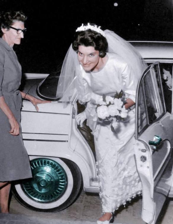 Maria Zélia Zanetti , a noiva, e Silvia Zanetti, a modista que confeccionou o vestido da noiva!
