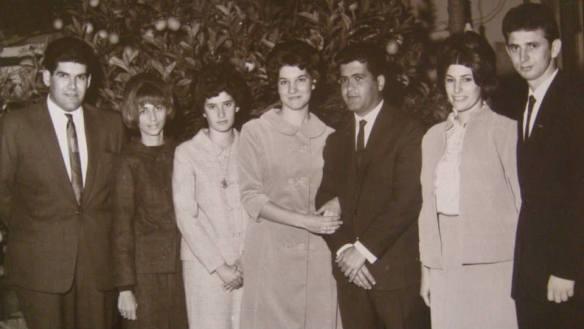 Casamento Civil de sua sobrinha Maria Zélia - 1966 - Os modelos usados por nós, as mulheres, foram confeccionados por Silvia Zanetti.
