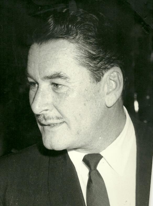 Errol Flynn em 1954 no Brasil