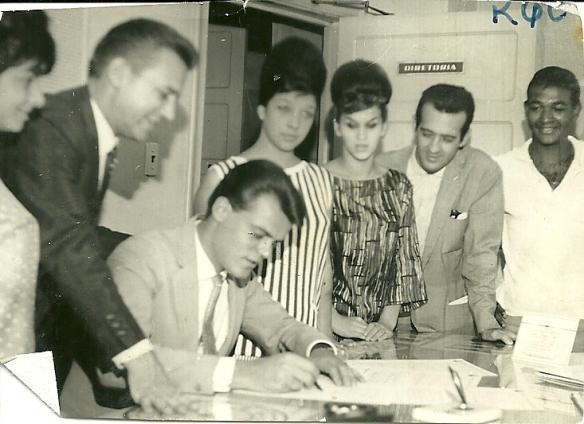 George Freedman assina contrato com a RGE ao lado Scatena