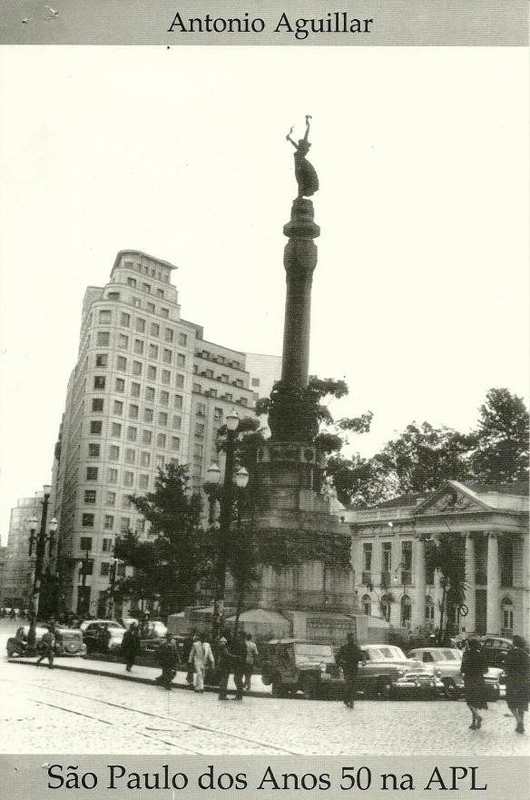 Mastro no Pateo do Colégio onde nasceu a cidade de S.Paulo em 25 de janeiro.