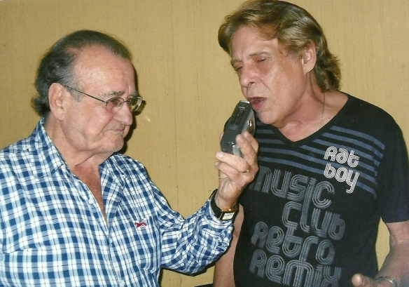 Antonio Aguillar entrevistando Renato Barros