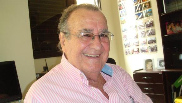 Antonio Aguillar em casa 008