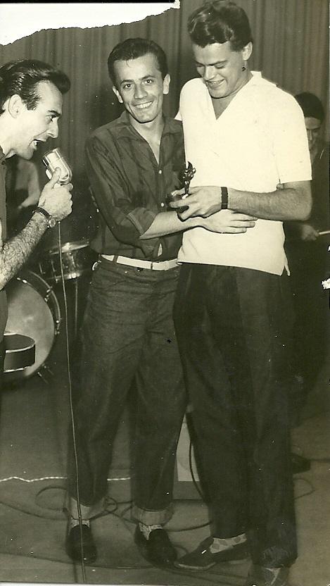 Antonio Aguillar, Gato e George Freedman