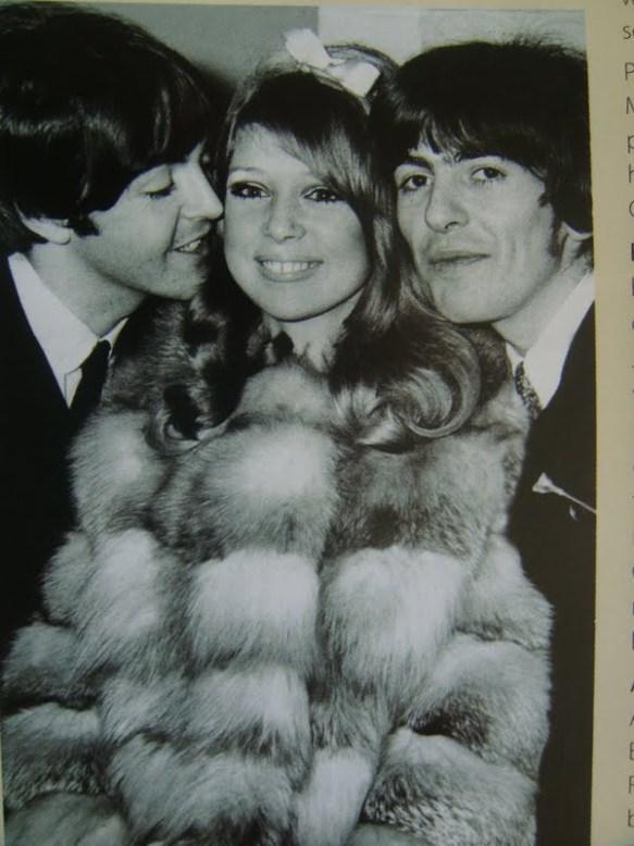 Paul beijando a noiva