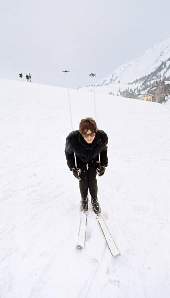 Paul McCartney skis for the first time while filming Help in Austria, 1965. (Henry Grossman)