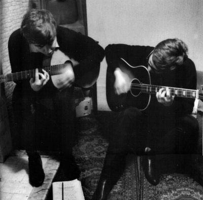 John e Paul compondo em Forthlin Road