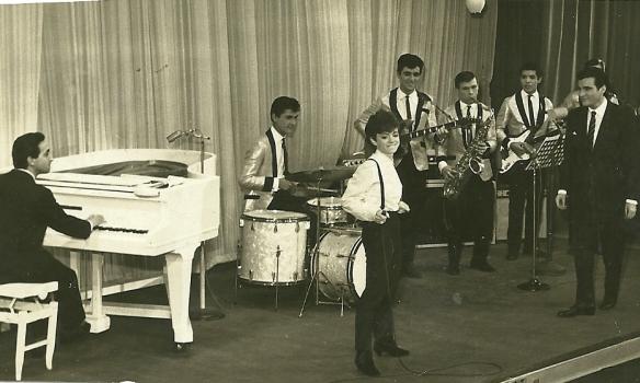 Rita Pavone no Reino da Juventude 1964 com os Clevers