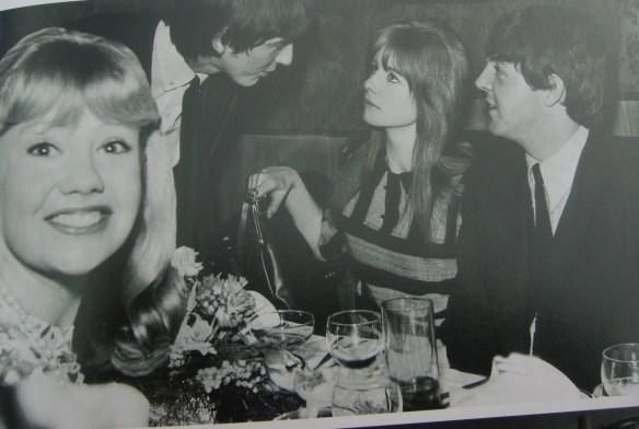 A História dos Beatles e o Natal 017