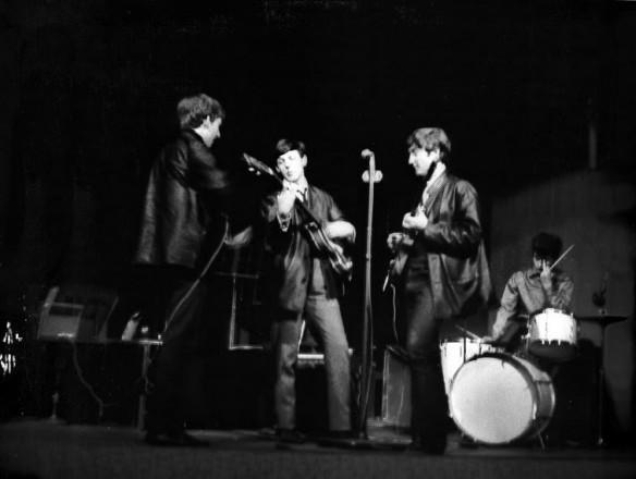 11 de Junho 1962 – BBC Playhouse Theatre (Ringo está na bateria)