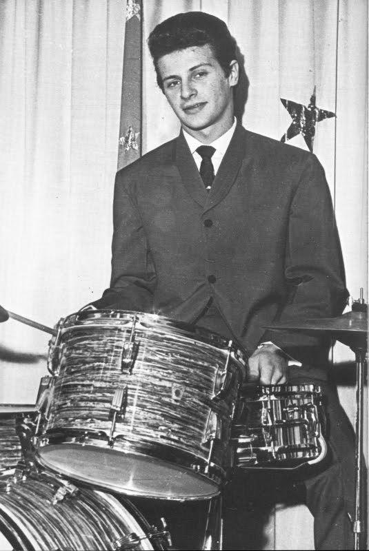 Pete Best - Em 16 Agosto 1962 é demitido dos Beatles