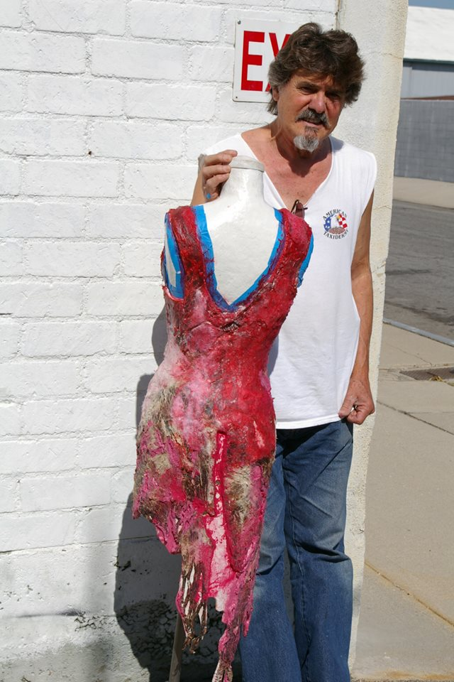 O Vestido De Carne De Lady Gaga Foi Restaurado Por Um Músico