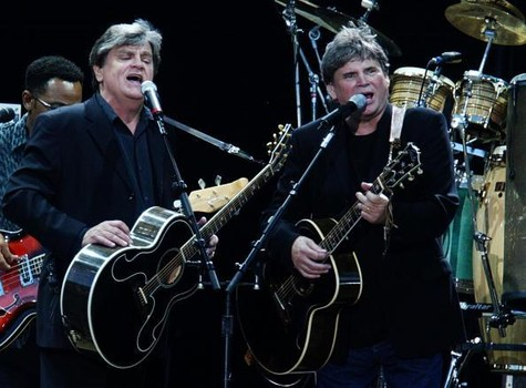 Don e Phil Everly (The Everly Brothers) se apresentando no Hyde Park em 15 de julho de 2004. London. Foto: Jo Hale - Getty Images