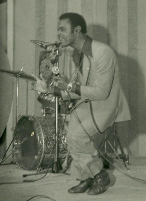 Little Black, o cantor que se chamava Jet Black e que deu origem ao nome da banda The Jet Balck's.