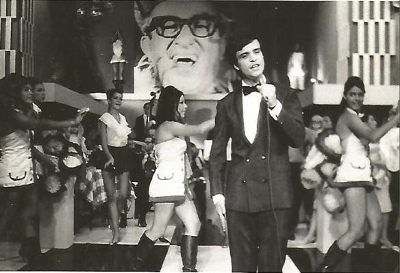 Bobby de Carlo no programa do Chacrinha