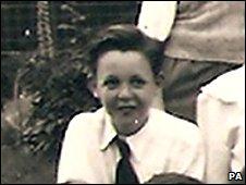 Paul McCartney aos 10 anos, quando escreveu a redação.