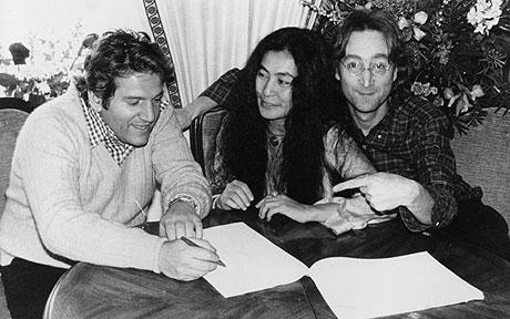 Allen Klein, Yoko Ono e John Lennon