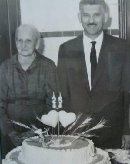 Vó Nuta (Anna Florean) e meu pai Célio Zanetti em 23/101965.