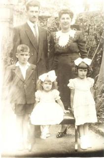 Célio e Maria (Lia) e os filhos Célio Fernando, Maria Célia e Maria Zélia