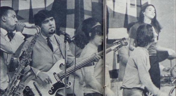 Dois membros de Renato e Seus Blue Caps: Cid Chaves e Paulo César Barros