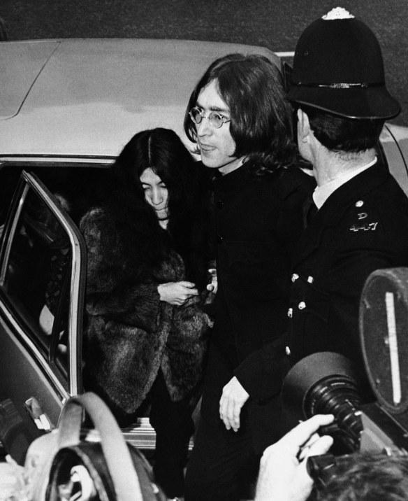 John e Yoko presos 2