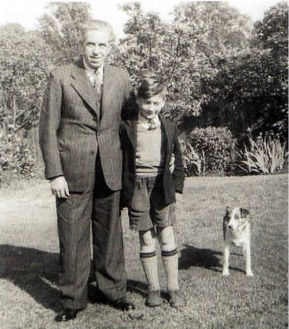 John Lennon e seu tio George