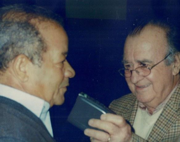 Nesta foto, Antonio Aguillar entrevista Roberto Corrêa para o programa Jovens Tardes de Domingo, levado ao ar pela Rádio Capital aos domingos das 12h às 13h.